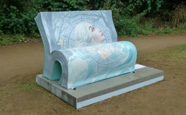 The Mrs Dalloway BookBench by Fiona and Neil Osborne (One Red Shoe).
