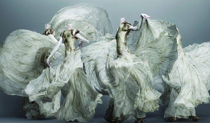 Metropolitan Museum: Alexander McQueen - Savage Beauty