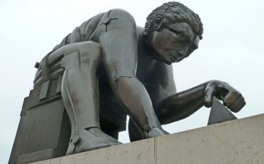 Simon Russell Beale gives voice to Eduardo Paolozzi's Newton statue in the British Library piazza.