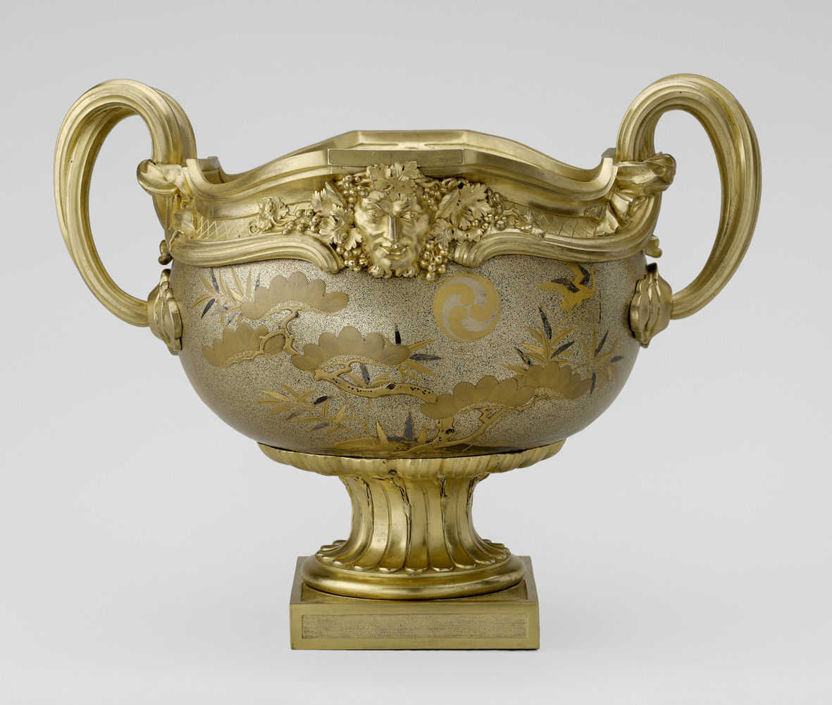 Lacquer and gilt bronze Japanese bowl, 18th century