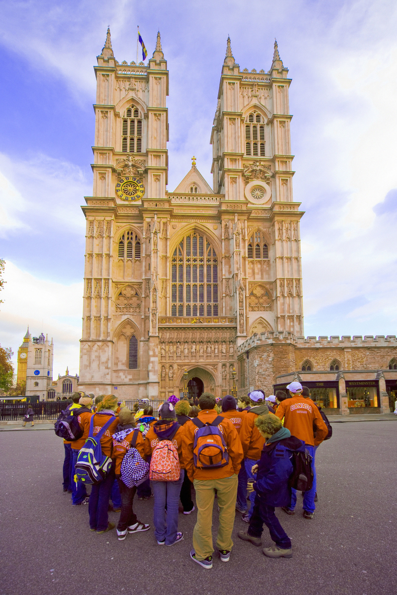 Tour group outside of Westminister Abbey