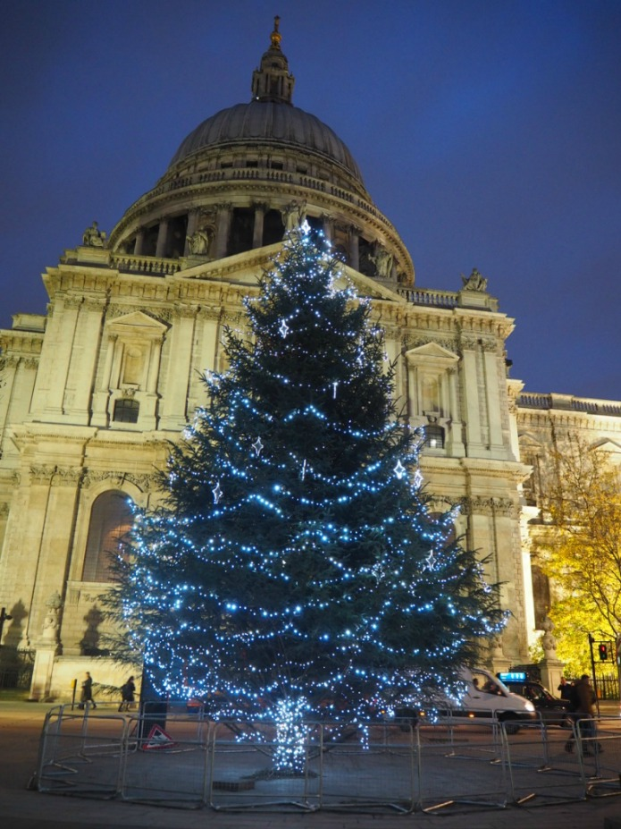 London Christmas Tree 2015 - St Paul's Cathedral