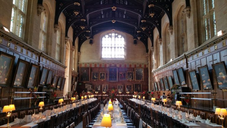 Oxford - dining room at Christchurch University. Photo Credit: ©Waldo Miguez/Pixabay.