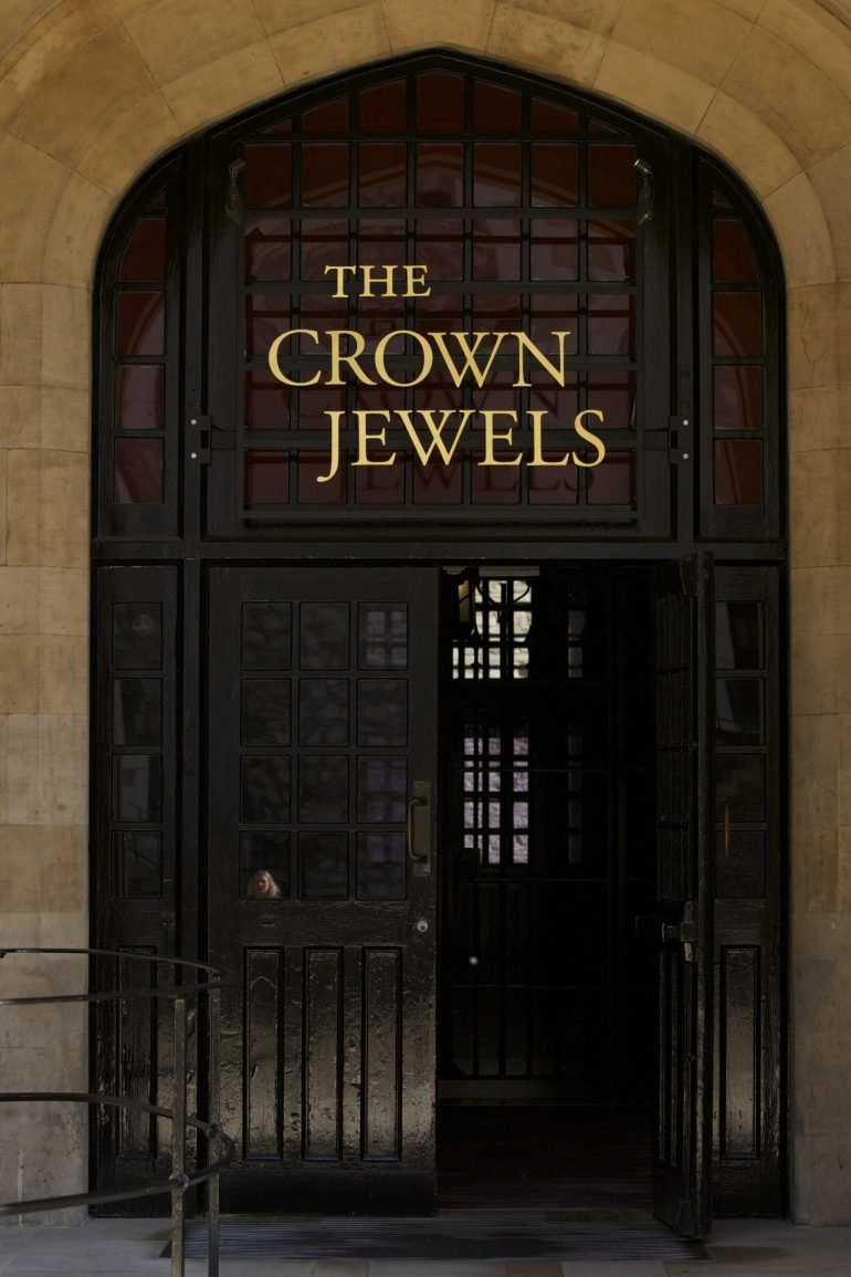 Tower of London - Entrance to the Jewel House and signage.