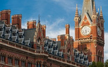 London Architecture - Roof of St. Pancras Renaissance Hotel. Photo Credit: ©tpsdave/Pixabay.