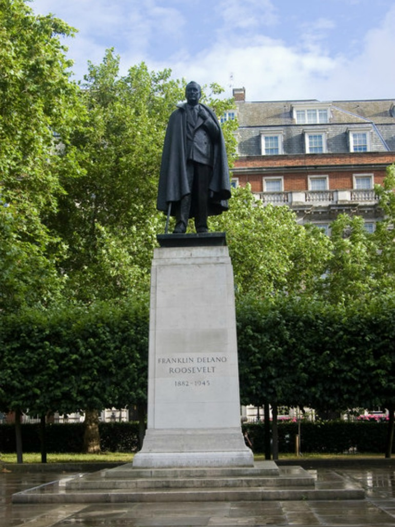 Statue of United States President Franklin Delano Roosevelt in London. Photo Credit: ©Bill Harrison via Wikimedia Commons.
