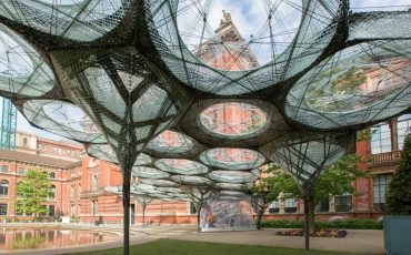 Victoria & Albert Museum - Elytra Filament Pavilion. Photo Credit: ©Victoria & Albert Museum, London.