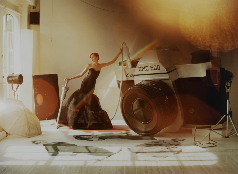 Victoria & Albert Museum: Cole with Giant Camera. Photo Credit: ©Tim Walker, 2004.