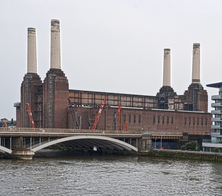 Battersea Power Station: © Photo Credit: Berit Watkin via Flickr.
