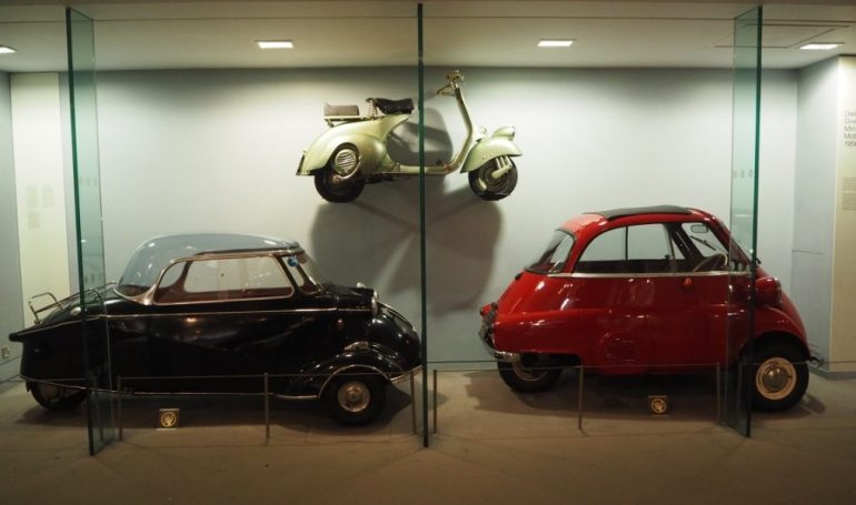 Science Museum: Messerschmitt KR200 De Luxe 1960 + Vespa 125 Scooter 1948 + BMW Isetta 300 1961. Photo Credit: © Ursula Petula Barzey.