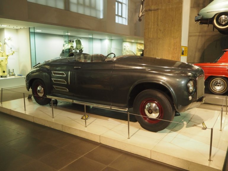 Science Museum: Rover Gas Turbine Car JET 1, 1950. Photo Credit: © Ursula Petula Barzey.