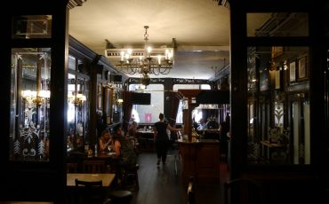 Interior of Ship and Shovell Pub. Photo Credit: © By Edwardx via Wikimedia Commons.
