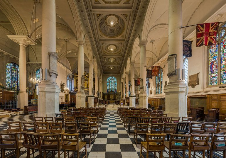 St. Sepulchre-without-Newgate Interior. Photo Credit: © Diliff/Wikimedia Commons.