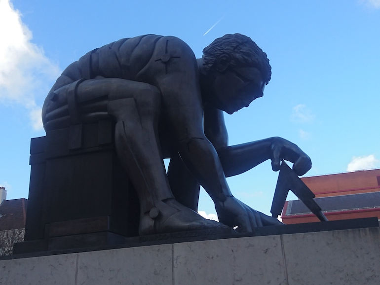 British Library in London_Newton after Blake Bronze Statue by sculptor Eduardo Paolozzi. Photo Credit: © Steve Fallon.