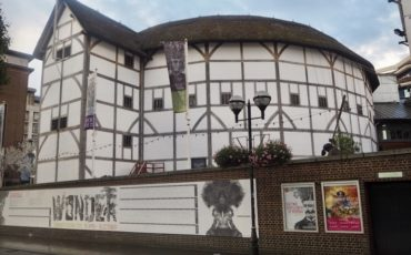 London Theatreland: William Shakespeare Globe Theatre. Photo Credit: © Ursula Petula Barzey.