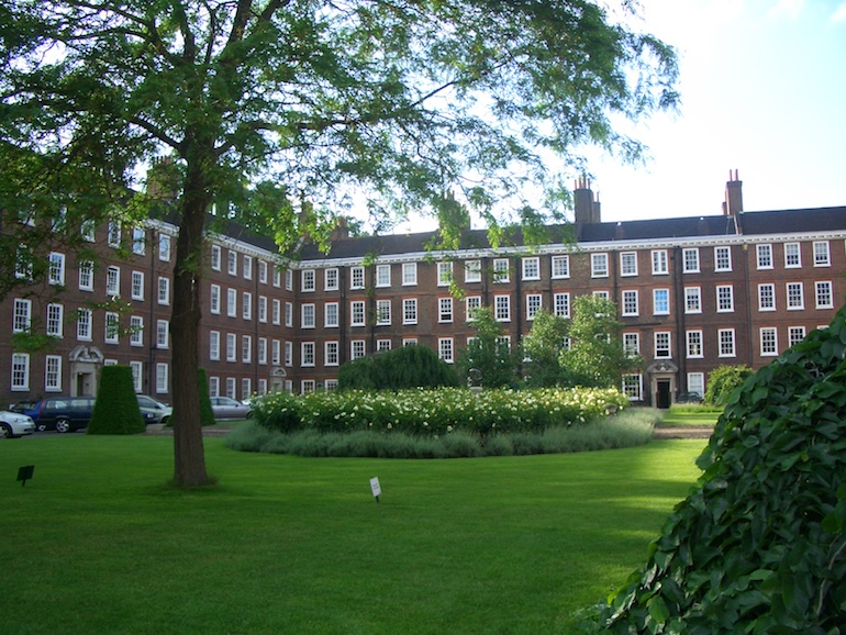 Four Inns of Court: Gray's Inn Square. Photo Credit: © Chensiyuan via Wikimedia Commons.