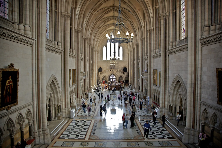 Royal Courts of Justice: The Great Hall. Photo Credit: © Aurelien Guichard via Wikimedia Commons.