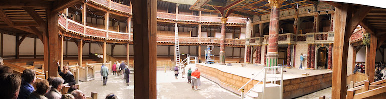Panorama view of William Shakespeare's Globe Theatre. Photo Credit: © Maschinenjunge via Wikimedia Commons.