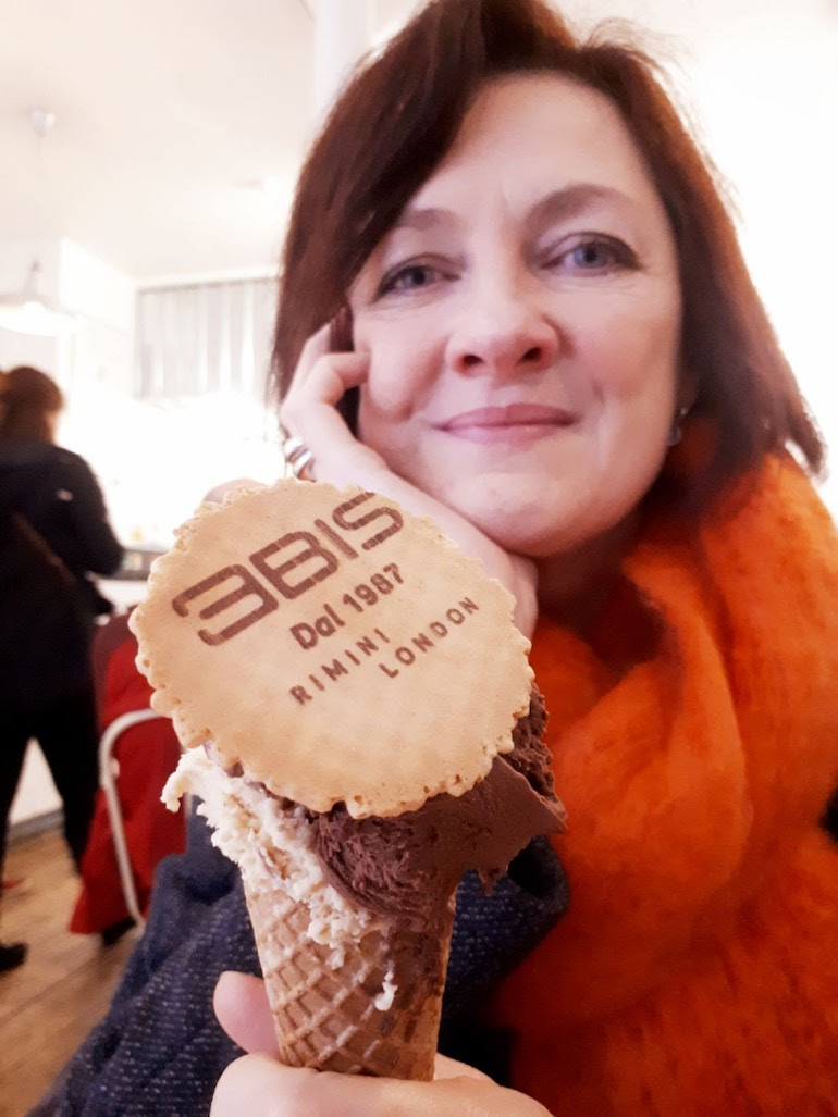 Blue Badge Tourist Guide Diane Williams at Gelateria 3Bis Borough Market in London. Photo Credit: © Diane Williams.