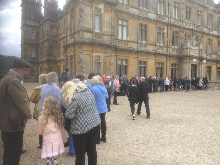 Queue at entrance to Highclere Castle. Photo Credit: © Edwin Lerner.