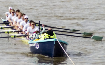 The Boat Race: Cambridge at their stakeboat. Photo Credit: © Public Domain via Wikimedia Commons.
