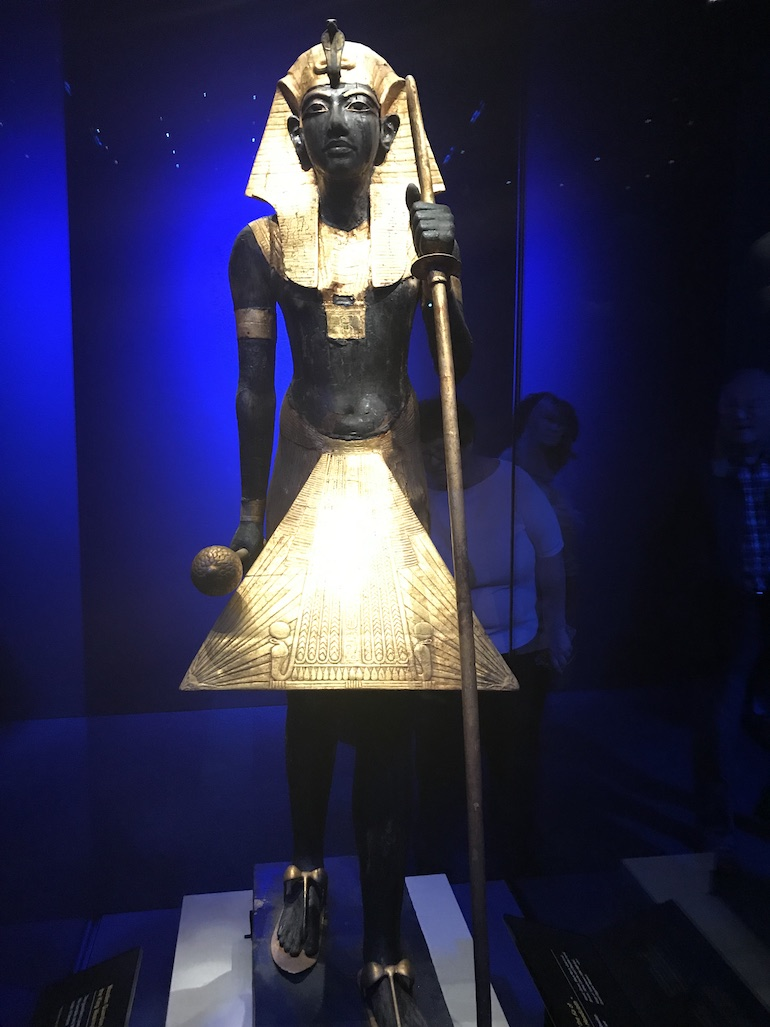 Tutankhamun London Exhibition_Tutankhamun statue. Photo Credit: © Edwin Lerner.