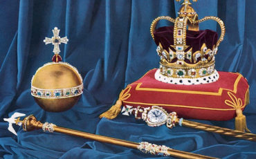 Crown Jewels of the United Kingdom. Photo Credit: © Public Domain via Wikimedia Commons.