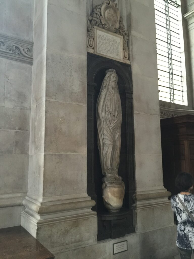 Memorial to John Donne at St Paul's Cathedral in London. Photo Credit: © Shakespearesmonkey via Wikimedia Commons.