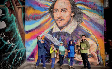 The 'Five Backpacks', a travelling US family, enjoy The Bard by Anglo-Australian street artist Jimmy C. Photo Credit: © Antony Robbins.