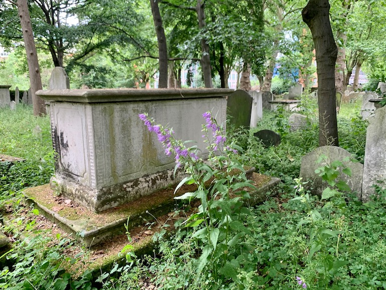 18th century tomb in Bunhill Fields. Photo Credit: © Antony Robbins.