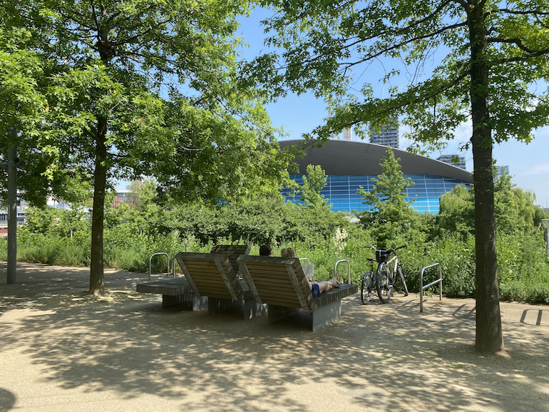 Chilling by the London Aquatic Centre at Queen Elizabeth Olympic Park. Photo Credit: © Sarah Woods.