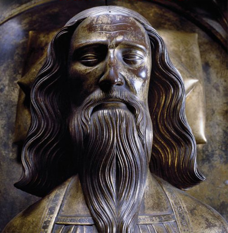 Detail from Edward's bronze effigy in Westminster Abbey. Photo Credit: © Public Domain via Wikimedia Commons.