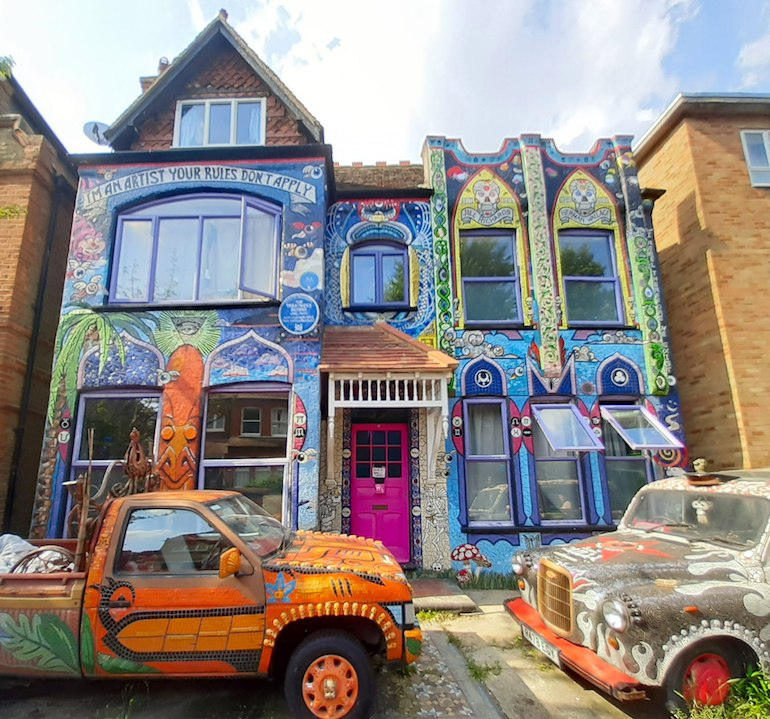The Mosaic House, Fairlawn Grove, London W4 5EL. Photo Credit: ©Ian Alexander via Wikimedia Commons.