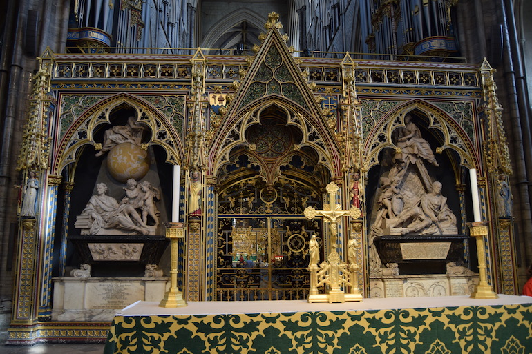 Westminster Abbey Burials: Scientists' Corner. Photo Credit: © David Streets.